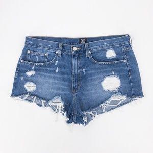 Urban Outfitters : BDG Cut-Off Denim Shorts 32